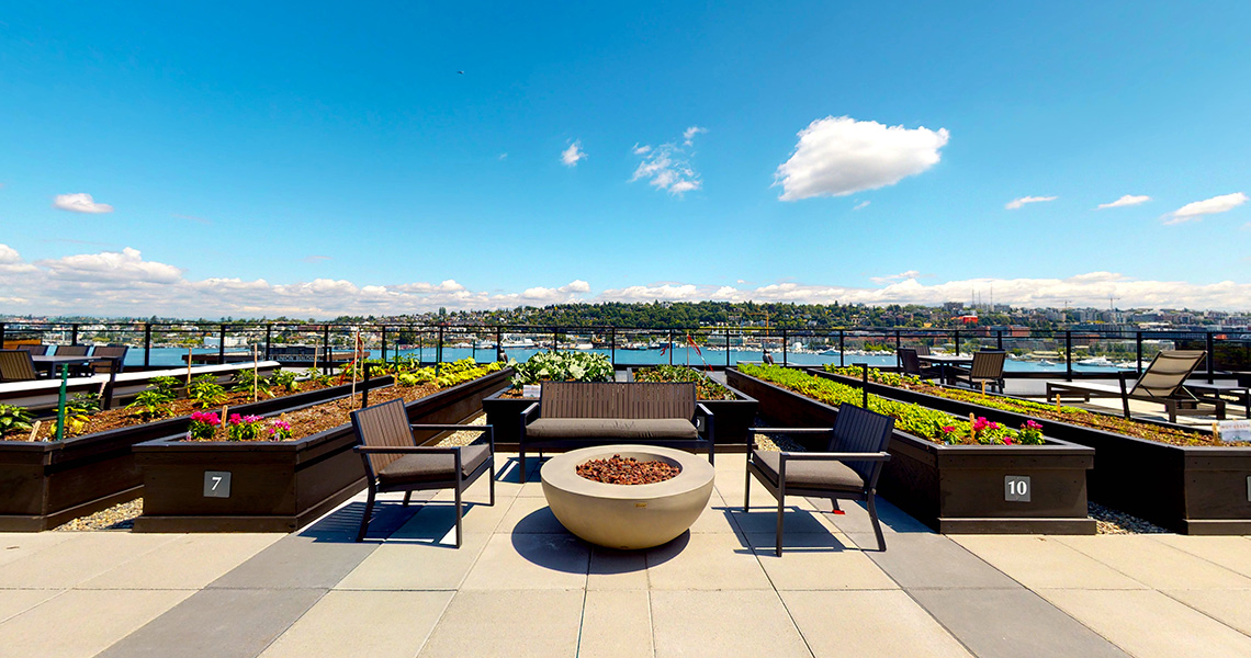 Stream Real Estate SLU 4-Star Apartments feature 1